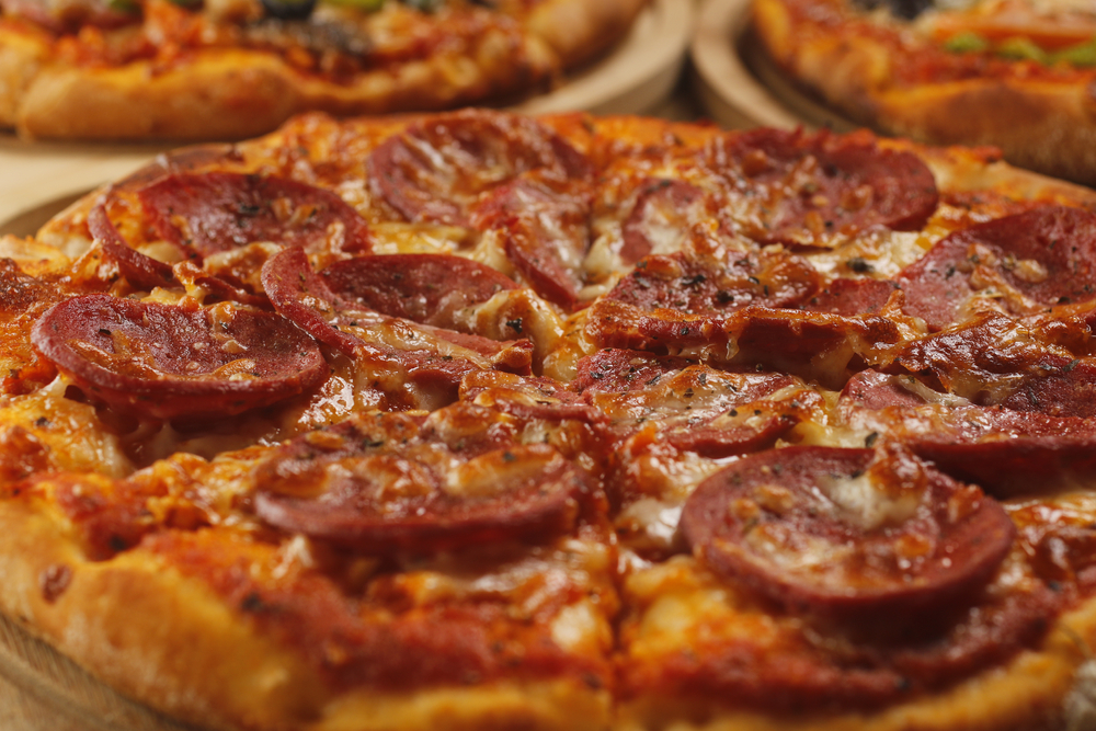 meat on pizza